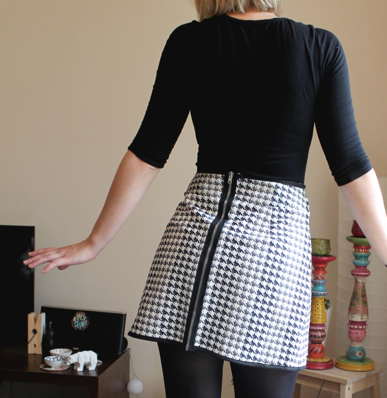 skirt back small