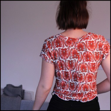 Fern and Thread Helens Kommatia Tee with a tie front hack back view